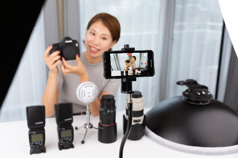 動画マーケティングとライブコマースの違い